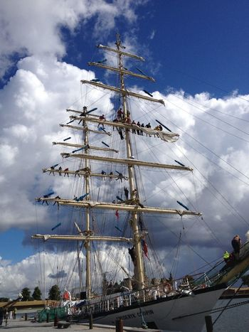 kids on ship masts