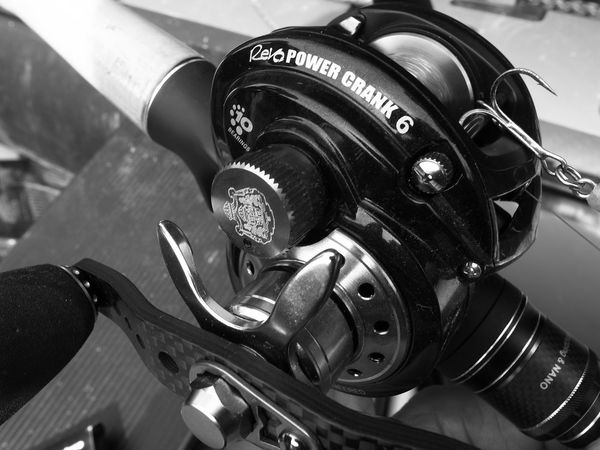 Reel Rod And Reel Mechanical Textured  Textures And Surfaces Monochrome Black And White Light And Shadow Fishing Tools Bass Fishing Textured  バス釣り