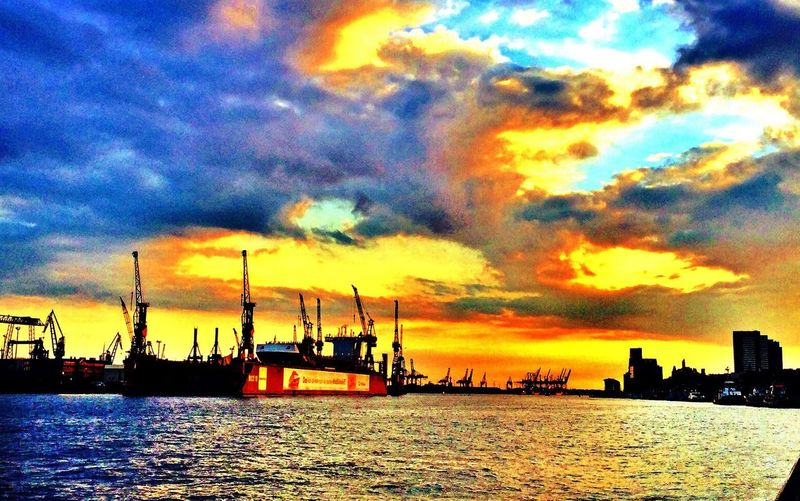 Hamburg Sunset Awesome Clouds