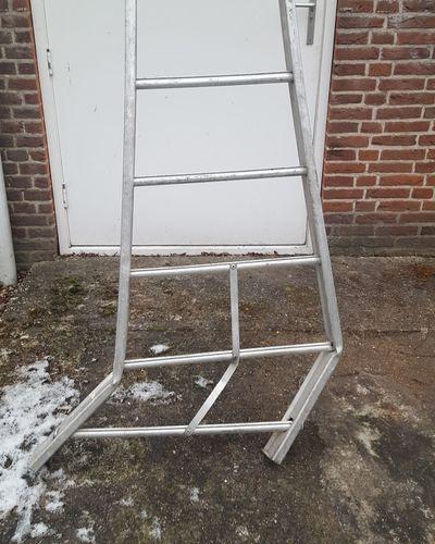 Break a leg Ladder Break A Leg! Broken Dangerous Jobs Dangerous😎 Dangerous Moment
