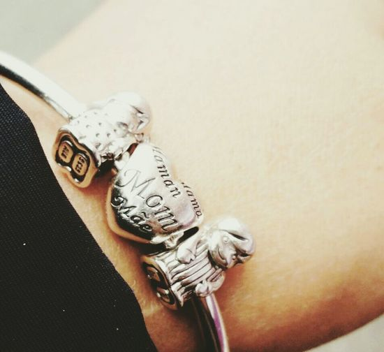 Pandora Pandora Charms OF ALL THE RIGHTS OF WOMEN, THE GREATEST IS TO BE A MOTHER....