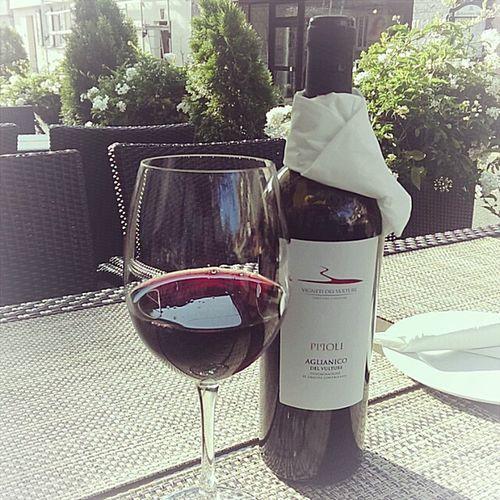 Dieser Wein ist sehr Empfehlenswert Italy Vino Italiano Meeting Friends Italy Food
