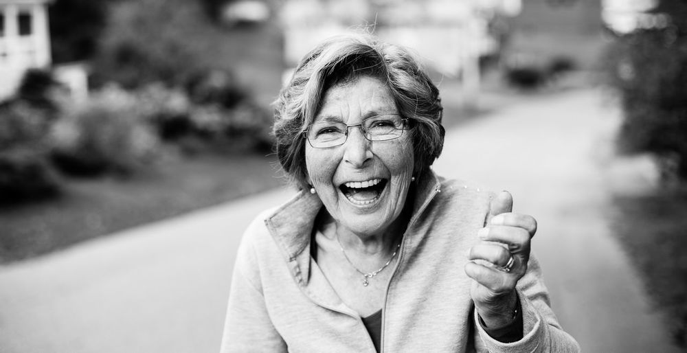Happiness seen in elderly warms up your heart. My ant at 80 years old who lives her life to her fullest. Black & White Eldrely Happy Happynewyear Portrait Pretty Woman Who Inspires Women Who Inspire You Women Who ınspire You