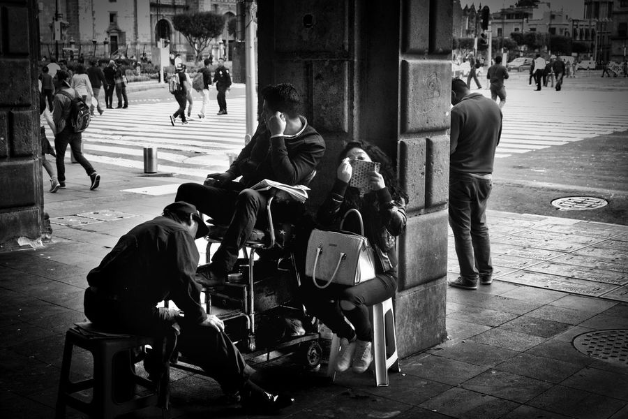 #blackandwhite #mexico #mexicocity #shoeshine #streetphotography