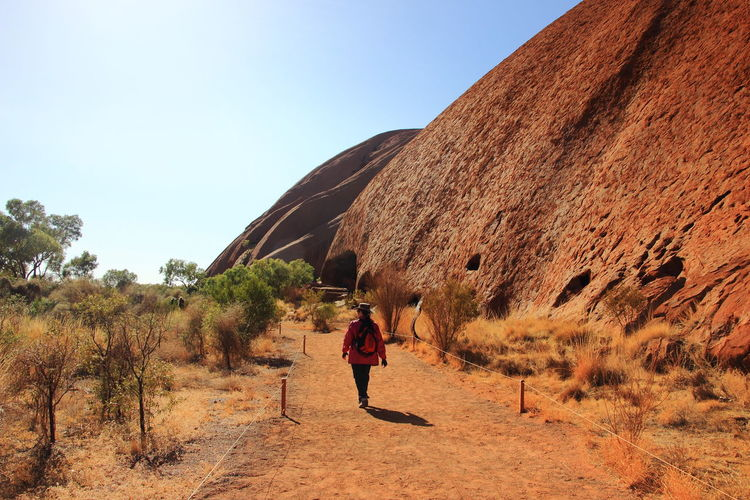 The walking trail of Mala Trail at the base of Uluru or Ayers Rock Australia Australian Outback Ayers Rock Mala Trek Uluru-Kata Tjuta National Park Australia & Travel Hiking The Base Of Uluru Travel Destinations