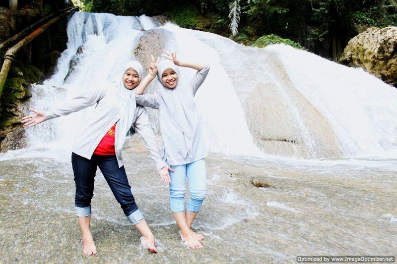 Self Portrait Around The World Exploreindonesia Exploremakassar Bantimurung Waterfall Holiday Sistertrip