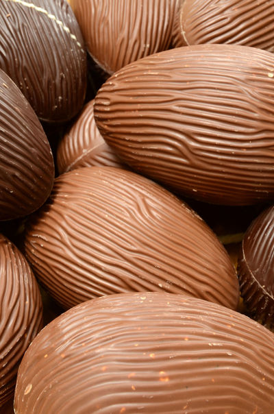 Close-up Dark Chocolate Easter Eggs Eggs Full Frame Milk Chocolate Pattern Rippled Surface Sweet Food