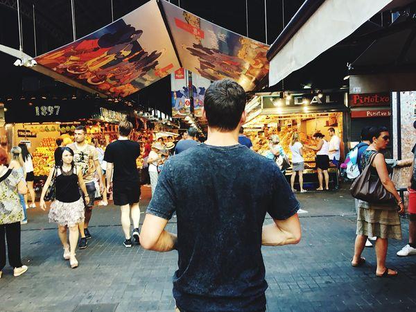 Foodmarket Hanging Out רוןדונג׳ון