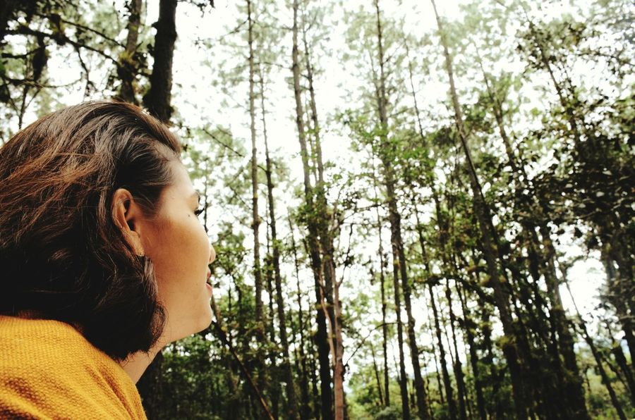 What did you look? One Person Headshot Real People Tree Watching Nature  Enjoying Life Enjoying Nature Young Adult Happiness Enjoyingtheforest Watching The Trees Relaxing Moments Relaxing Tranquille Tranquility