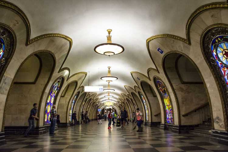 Arch Indoors  Architecture Corridor People Multi Colored Built Structure Adult Day 3XSPUnity NikonD7100 Russian Federation Moscowmetro Russia Moscow Kremlin Travel Destinations Train Station Platform Architecture Indoors  Low Angle View Metro Train Russia Today 3XSPhotographyUnity Novoslobodskaya