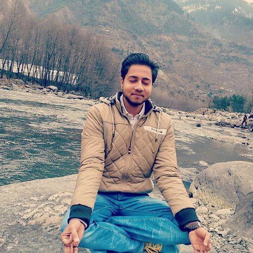 Sadhna Vyas River Manikaran Manali Acting