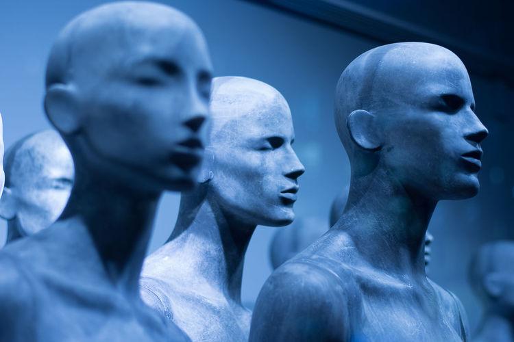 #cold #portrait #puppet Alien Baldhead Glatze 2 Headshot Nude-Art Sculpture Spirituality Statue Winter