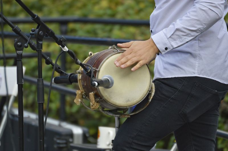 Outdoors Music Live Music Drum Man Park Park - Man Made Space Musician City Park Close-up Casual Clothing Wearing #urbanana: The Urban Playground Summer In The City A New Perspective On Life Analogue Sound My Best Photo The Art Of Street Photography Springtime Decadence