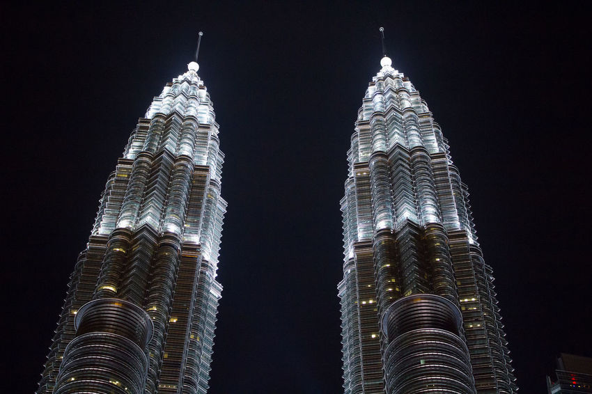 KLCC night At Centre Of Kuala Lumpur, Malaysia. Kuala Lumpur Malaysia  Petronastwintowers KLCC Twin Towers KLCC❤❤ Buildings Architecture Achitecture Adapted To The City