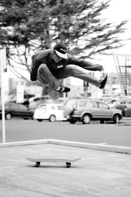 Boy Skating ✌ Skateboarding Cool ! Likeforlike #likemyphoto #qlikemyphotos #like4like #likemypic #likeback #ilikeback #10likes #50likes #100likes #20likes #likere