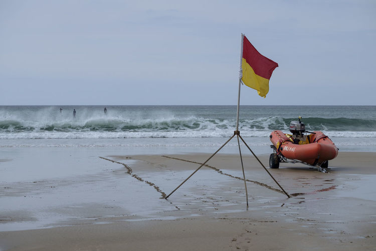 RNLI inshore lifeboat and beach safety flag Beach Boat Flag Lifeboat RNLI Lifeguard  Safety Sand Sea Surf