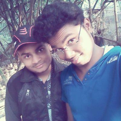 Bro Selfie PicnicWala 😊