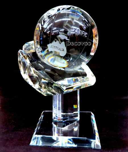 Art Glass Crystal Cut Crystal Decovoo Glass - Material Globe - Man Made Object Single Object Studio Shot Whole World In Hand