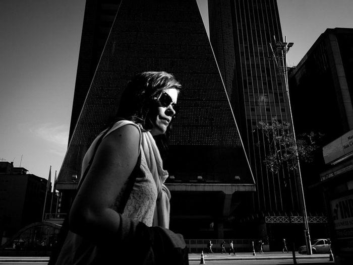Sao Paulo, Brasil. 2015. ©Gustavo Mondragon ©La Calle Foto Av Paulista Lacallefoto Streetssaopaulo Blackandwhite Latinstreetphoto Latinstreetcollective Streetphotographers Streetphotography Saopaulo The Street Photographer - 2015 EyeEm Awards