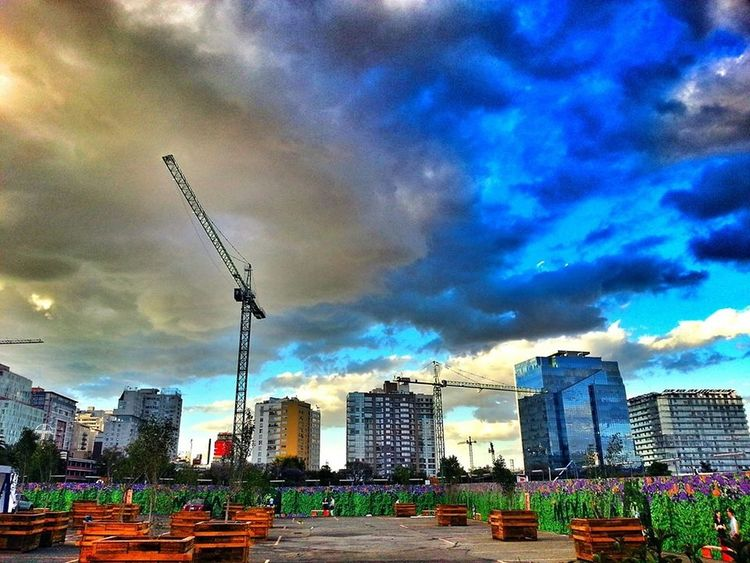 Re -contruyendo México Hanging Out Check This Out Enjoying Life Arquitectura Photooftheday Eye4photography  EyeEm Best Shots Mexicocity  Cdmx Arquitecturestyle CiudaddemexicoUrban Sky And Clouds