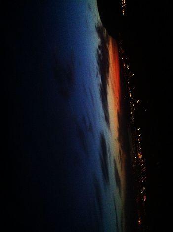 Vue sur Genève et son magnifique lever du jours de milles et une couleur 🌄