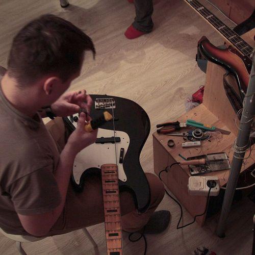 Конструкторское бюро ? сделайсам ремонт Bass Guitar Custom Питер