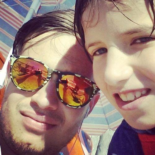 E facciamoci na nuotata :D Selfie Broandsis Toscana Beach sea sun sunglasses troppocaldo estate2014