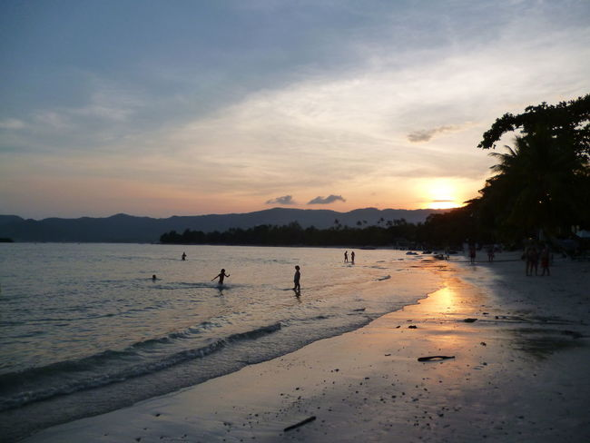 Beach Beauty In Nature Day Nature No People Outdoors Scenics Sea Silhouette Sky Sunset Water EyeEmNewHere Ko Samui Thailand Sommergefühle Been There. Connected By Travel Lost In The Landscape An Eye For Travel Tranquility Coast Idyllic Horizon Over Water Calm Tranquil Scene Seascape Ocean