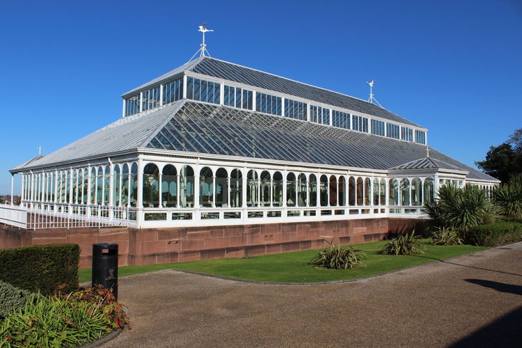 Here is a shot of Isla Gladstone in Stanley Park, Liverpool! You can even get married in here! Glass Green Green Color Isla Gladstone Liverpool Liverpool, England Palm House Palm House Liverpool Park Stanley Park First Eyeem Photo