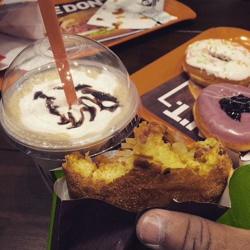 Dunkin_donuts Cold_coffee Crispy_burger Very_very_blueberry Deathbychoclates😀 White_choclate😍🍔🍩🍦