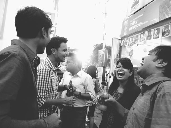 People Together a short laughter session Hanging Out Enjoying Life Friends ❤ Gossip