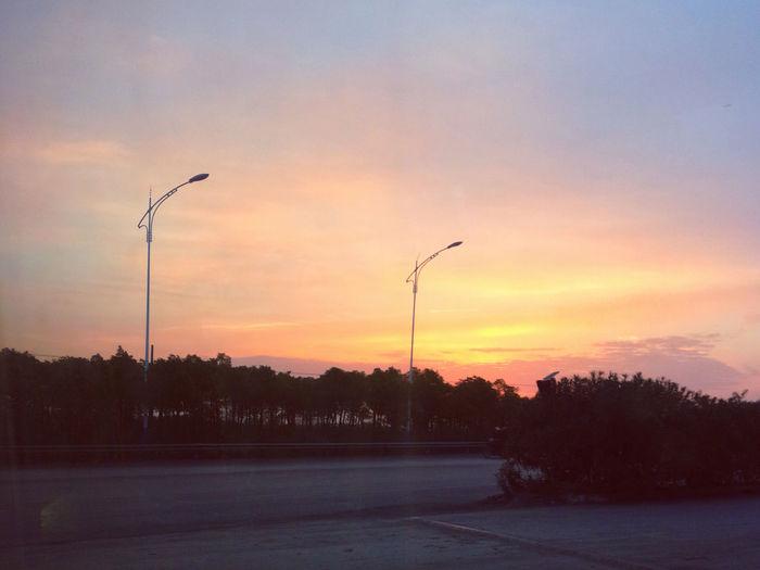 清晨 Sunrise 日出 The Sun Rises