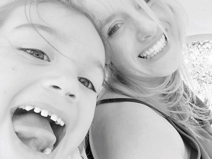 Having Fun With My Daughter- Enjoying Life Girls Being Silly Live, Love, Laugh Blackandwhite The Portraitist - 2015 EyeEm Awards Girl Power My Daughter Smiling Two Is Better Than One