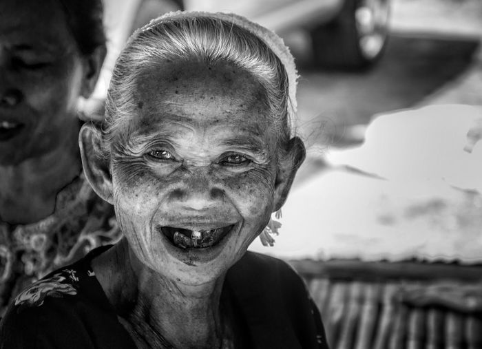 Woman Portrait Woman Old Oldwoman Village Life Villager Lombokgallery Lombok Sadevillage Travel Elder Elderlywoman Elderly Elderly Woman INDONESIA This Is Aging