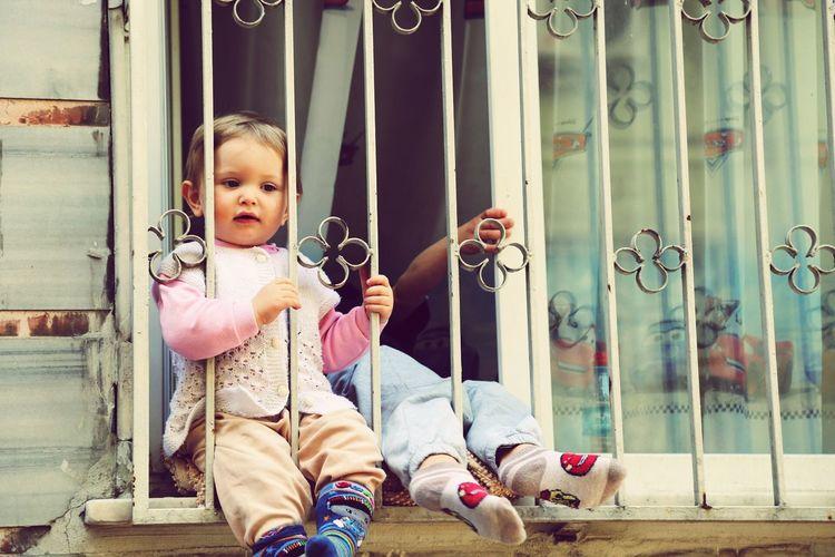 Merhaba çocuk Child çocuk Istanbul Street Window Blonde Sweet