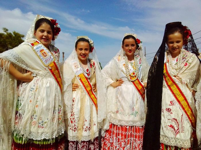 Our tradition Spainphotographer Sanisidro2018 SanIsidro Valencia, Spain Spanish Girl FIESTASDEALICANTE Spain ✈️🇪🇸 Friendship Portrait Young Women Child Smiling Togetherness Happiness Looking At Camera Girls Cheerful Organized Group Photo Traditional Dancing Festival