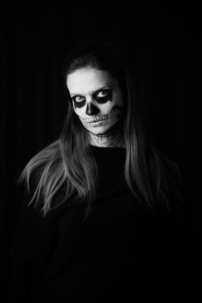 Pop Horror is a photoshoot project created by the Brazilian photographer Fabio Wanderley in order to celebrate 2016's Halloween. Catrina Dia Das Bruxas Face Painting Fear Ghosts Halloween Halloween Horrors Headshot Inspiration Looking At Camera Makeup Makeup Inspiration Makeupartist Medo Pop Horror Portrait Scary Skeleton Skull Thriller Vampire WandPhoto