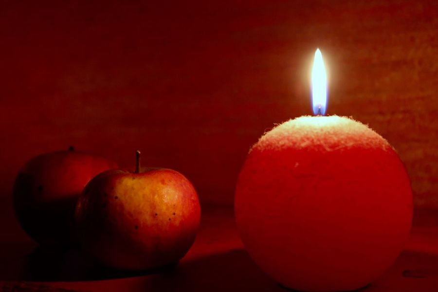 Appels in my light Autism Warm Silence Quiet Moments Cosy Automn Appels Indoors  Candle Flame Close-up Food And Drink Red Autumn Mood Fruit Burning Food Illuminated Capture Tomorrow