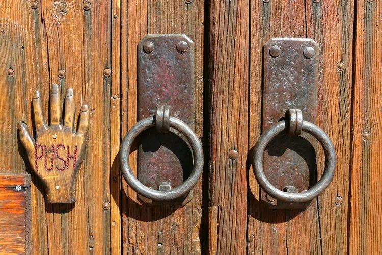 Handcrafted Doorknockers Weatheredwood Wooddoors Full Frame Rusty Wood - Material Textured  Door Metal Close-up Hinge Wooden Door Handle Closed Door