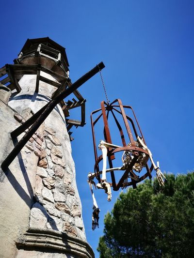 Low Angle View Adventure Clear Sky Scheletro Skellet  Punishment History
