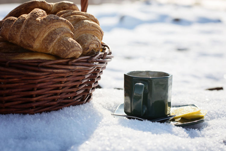 Cup, lemon, tea, fresh, picnic, croissants, rocks, outdoors, day, light, nature, snow, vacation