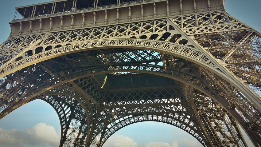 Arch Architecture Travel Destinations History Built Structure Low Angle View Architectural Feature Monument Tourism Travel Triumphal Arch Day Indoors  City No People Sky France Paris Sunlight EyeEmNewHere Art Is Everywhere The Secret Spaces The Architect - 2017 EyeEm Awards The Street Photographer - 2017 EyeEm Awards Eiffel Tower