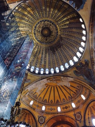 Eminönü Architecture Ceiling Place Of Worship Built Structure Religion Pattern Travel Destinations Indoors  Low Angle View Spirituality No People Tourism Cupola Rose Window Day Tarihiyarimada Sultanahmet Tarihimekan Istanbul Tarihieser Ayasofya (Hagia Sophia) Architecture