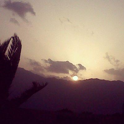 بتصويري صباح_الخيرات الناس_الرائيه لقطة جده