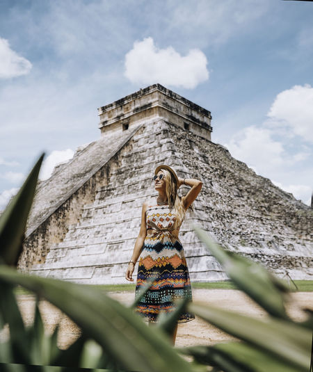 A young woman at the famous chichen itza.