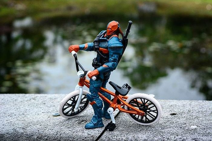 That bike tho..Toyonlocation Toy_nerds Deathstroke Bmx  Actionfigures Toyoutsiders Pensacola_toynerds Toyjuice Capturedplastic Toyphotography Toptoyphotos Toycrewbuddies Toygroup_alliance Dccomics Ata_dreadnoughts _tyton_ Toyslagram SuicideSquad
