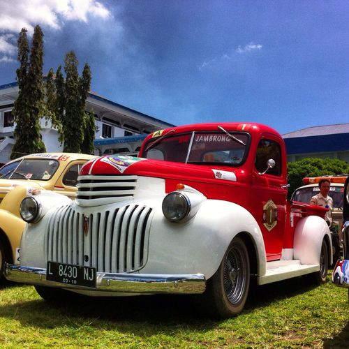 """Si Jambrong"" PPMKI Trans Sulawesi Classic Cars Vintage Cars Old Mobile"