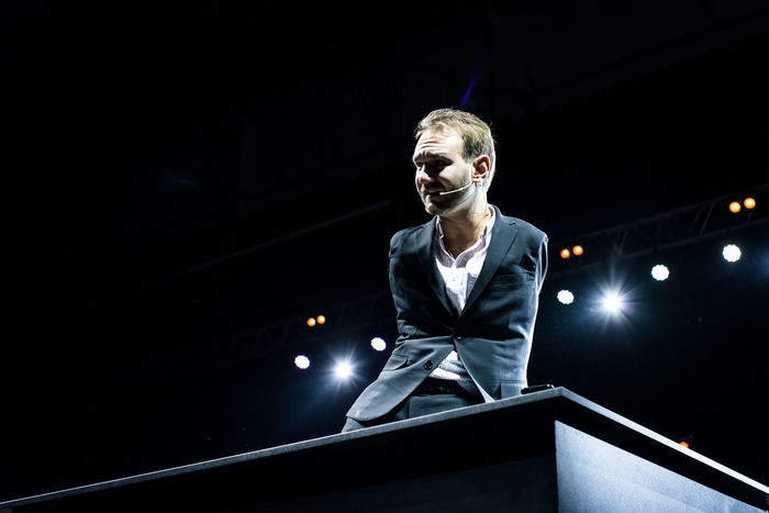 Stage - Performance Space Young Adult People Tetraameliya Stadium Scene Speaker Performance Sermon Celebration Night Vujicic Illuminated Celebration Event One Man Only Preacher Men Nic Vujicic Lecture Adult