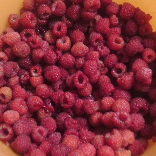 Малина) Вкуснятина) Respberries
