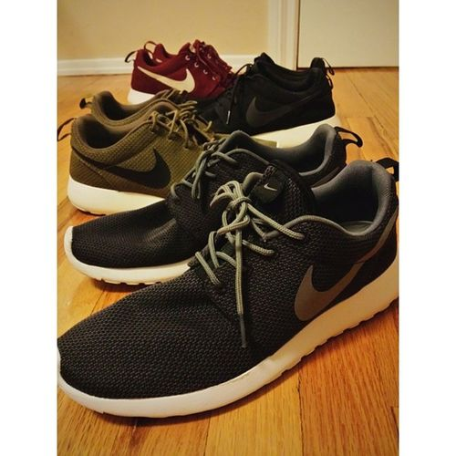 I really want more but no one ever has my size 😓 even online stores especially the ones I want Bored Instaroshe CleanShoes Roshe  takenwith galaxyS4 random gymshoes though